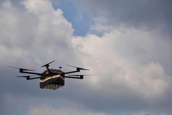 中国邮政也玩无人机送货,首飞成功